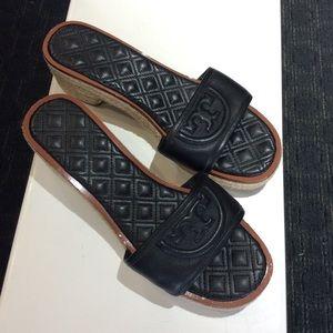 Woman's Tory Burch wedge summer slipper sandal
